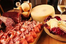 TASTING OF COLD CUTS AND CHEESES